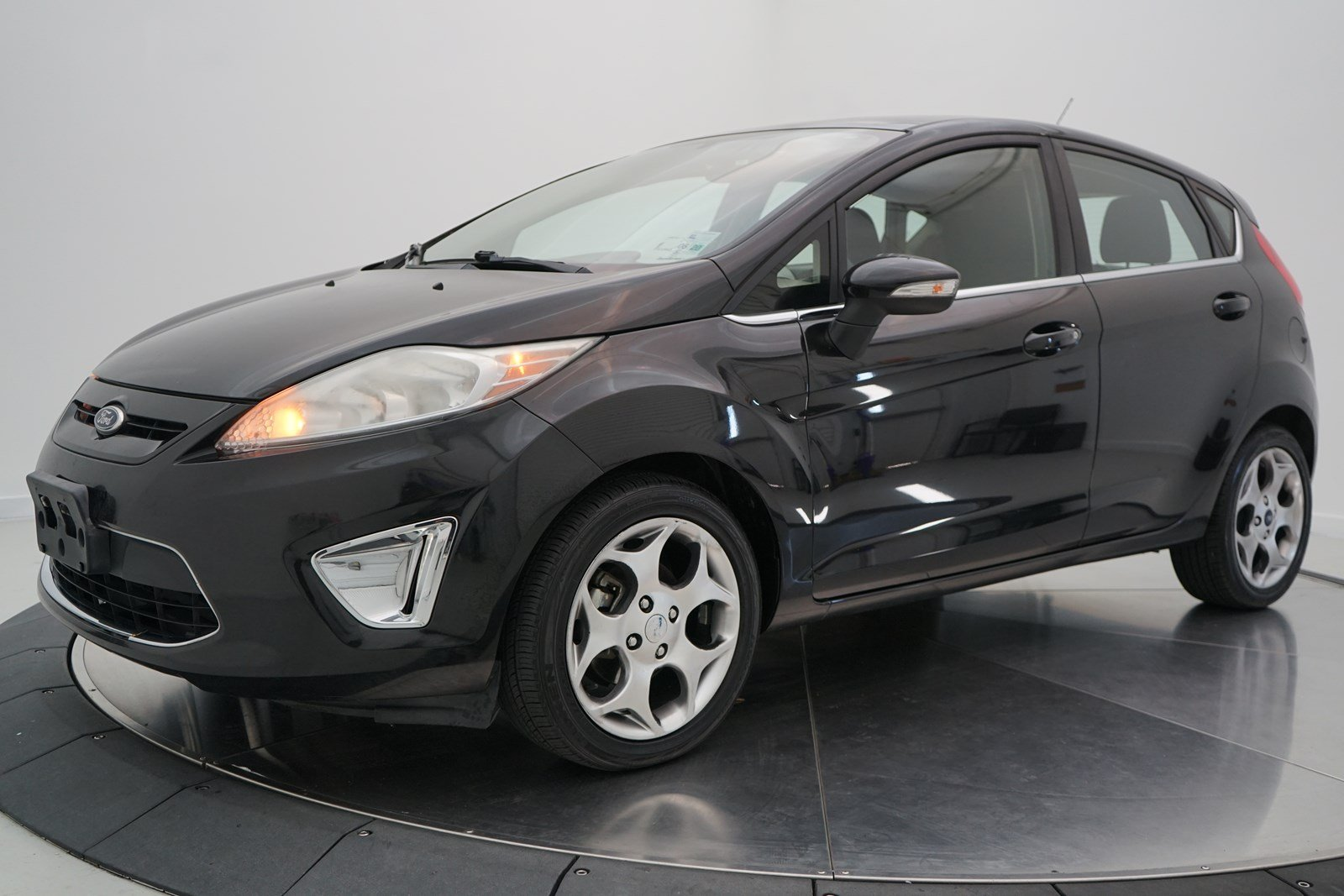 Pre owned 2011 ford fiesta ses